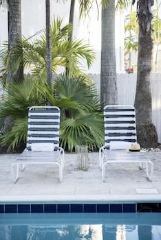 Lively 2BR in Miami River Inn by Sonder