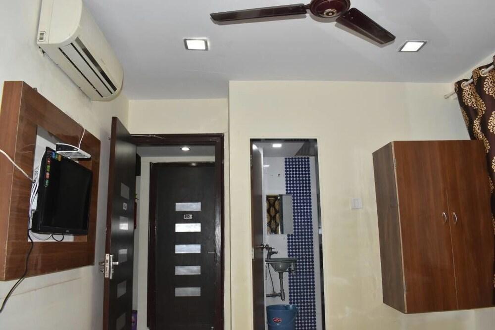 Hotel Akshara Residency