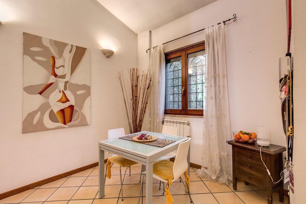 Relax Per Due.Villa Relax Le Due Palme Ciampino Rome Null 𝐇𝐃