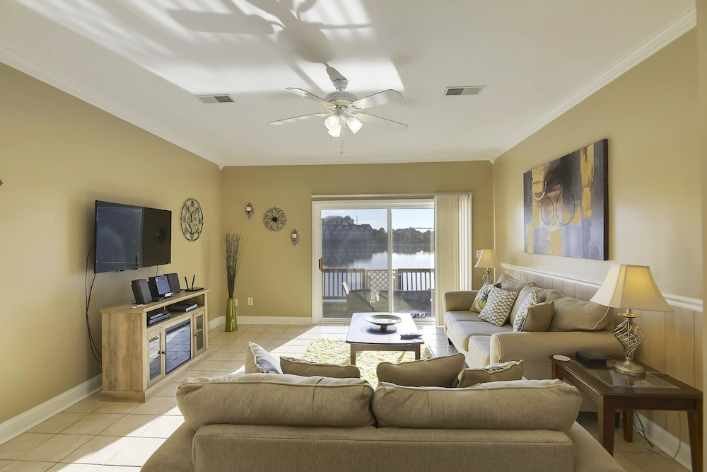 Carolina Waterfront Rentals - Arco - 3 Br townhouse by RedAwning