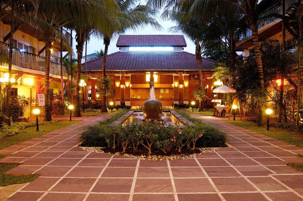 51 Horizon Patong Beach Resort Spa
