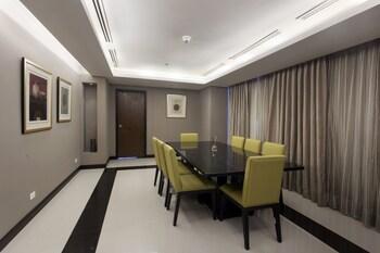 Bellevue Hotel Alabang In-Room Dining