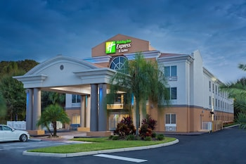 Holiday Inn Express Hotel & Suites Tavares - Leesburg
