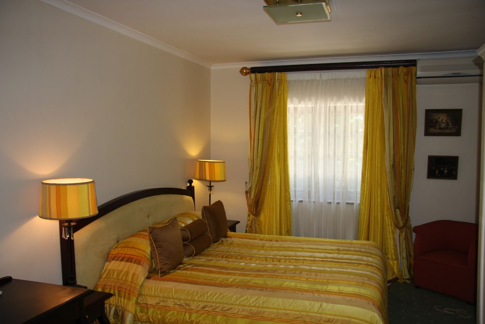 Greenways Manor Guesthouse