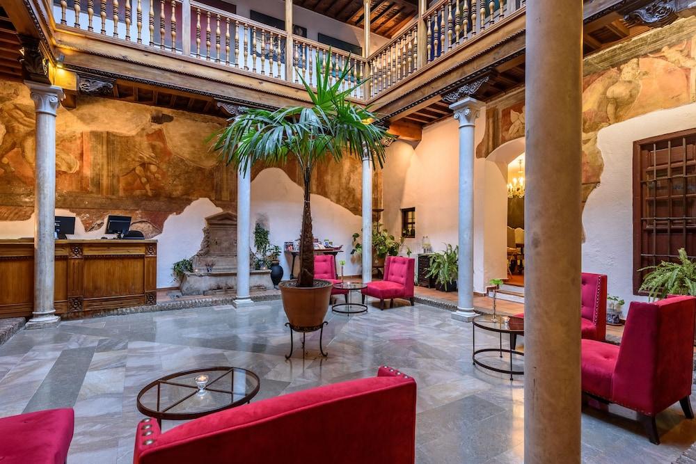 Palacio de Santa Inés hotel
