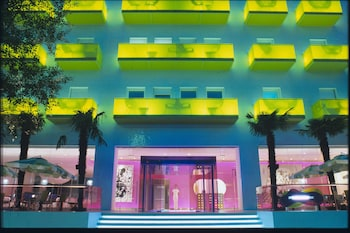 セミーラミス ホテル