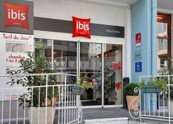 tarifs reservation hotels ibis Millau