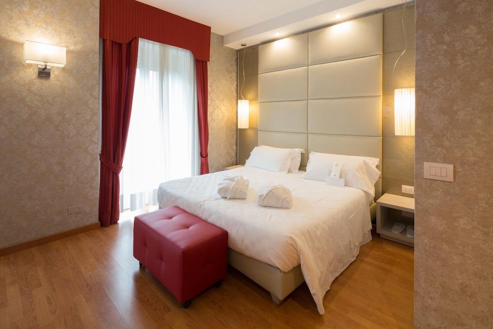 Hotel The Originals Milan Nasco (ex Qualys-Hotel)