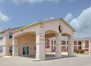Super 8 by Wyndham Forney/East Dallas in Forney, Texas