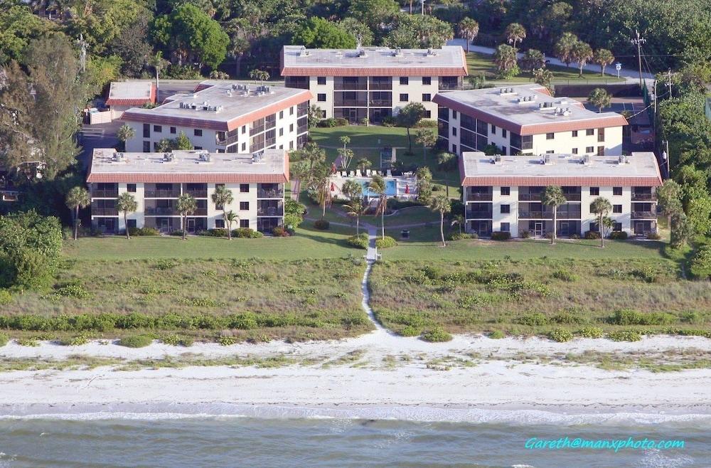 Sandalfoot Beachfront Condominium