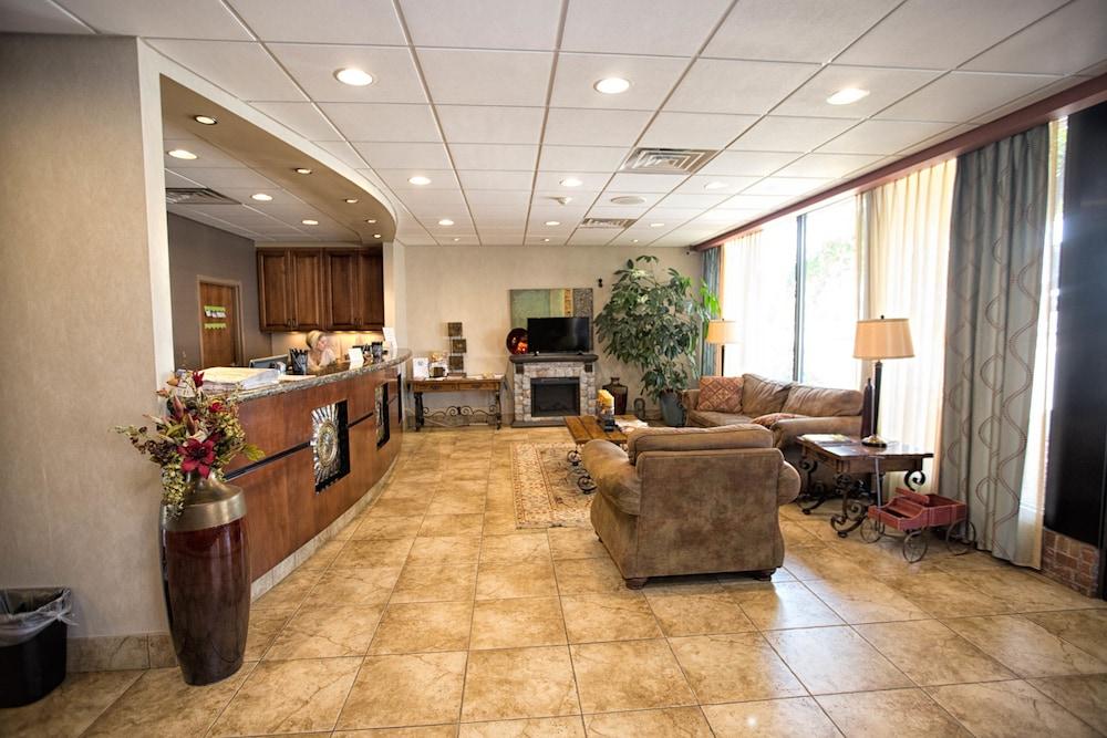 Norfolk Country Inn & Suites