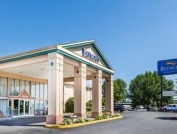 Baymont Inn & Suites Des Moines