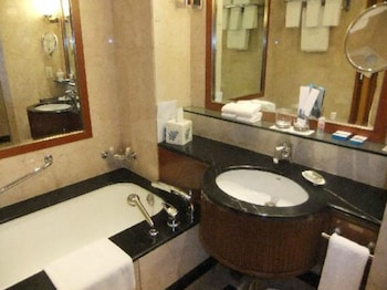 ITC Grand Central, a Luxury Collection Hotel, Mumbai - Bathroom  - #0