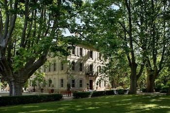 tarifs reservation hotels Le Château des Alpilles