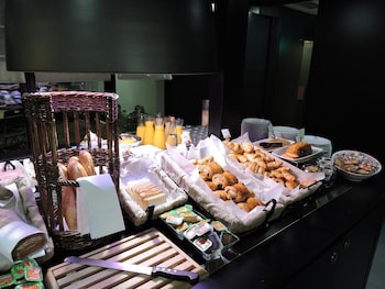 Hotel Campanile Toulouse Nord L'Union - Breakfast Area  - #0