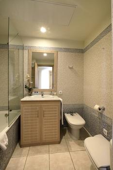 Pierre & Vacances Village Club Bonavista de Bonmont - Bathroom  - #0