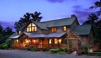 Bent Creek Lodge Bed & Breakfast in Asheville, North Carolina