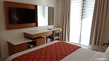 Pontefino Hotel Batangas Guestroom