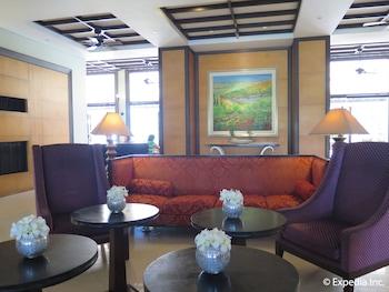 Pontefino Hotel Batangas Lobby Sitting Area
