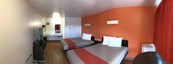 英屬哥倫比亞坎盧普斯 6 號汽車旅館
