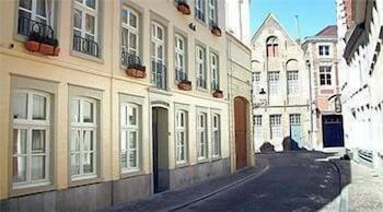 Aragon House