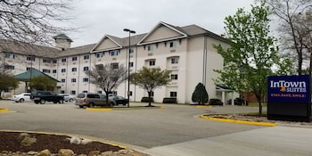 InTown Suites Newport News/Williamsburg in Newport News, Virginia