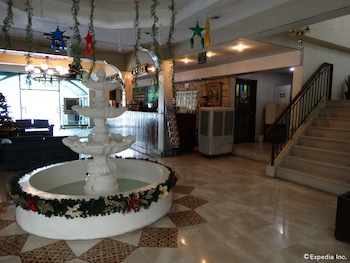 The Garden Plaza Hotel & Suites Manila Lobby
