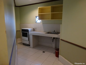 The Garden Plaza Hotel & Suites Manila In-Room Kitchenette