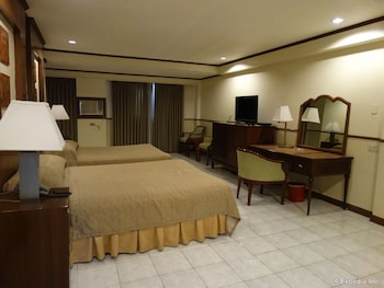 The Garden Plaza Hotel & Suites Manila Guestroom