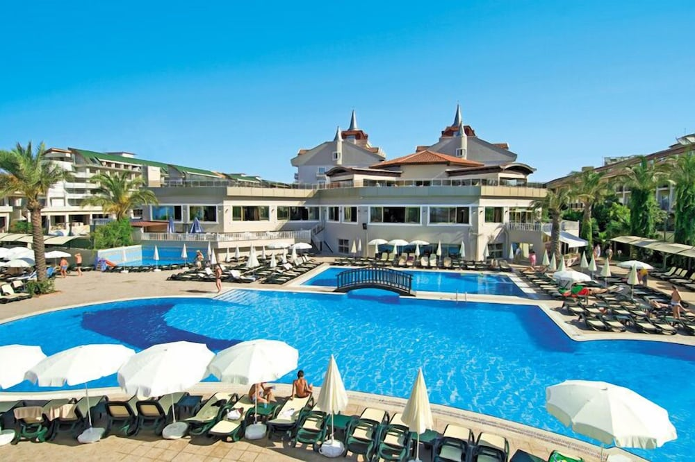 Aydinbey Famous Resort - All Inclusive