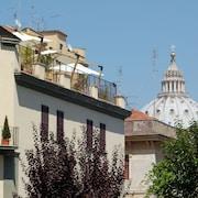 梵蒂岡套房公寓飯店