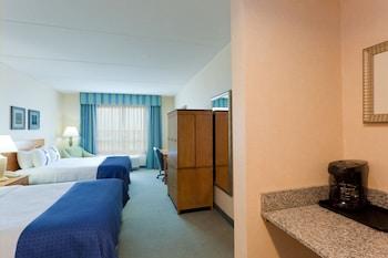Holiday Inn Manahawkin - Living Room  - #0