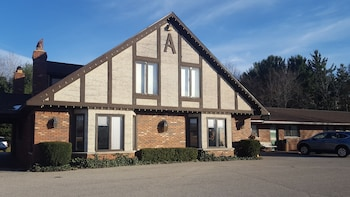 Inn at the Alpine by Budget Host in Bear Lake, Michigan