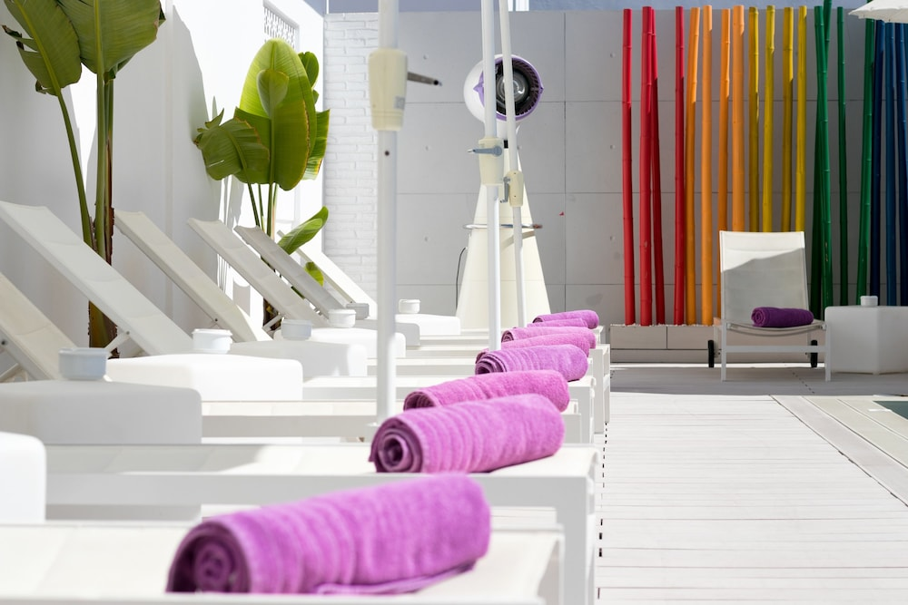 The Purple Hotel by Ibiza Feeling - Caters to Gays - Adults only