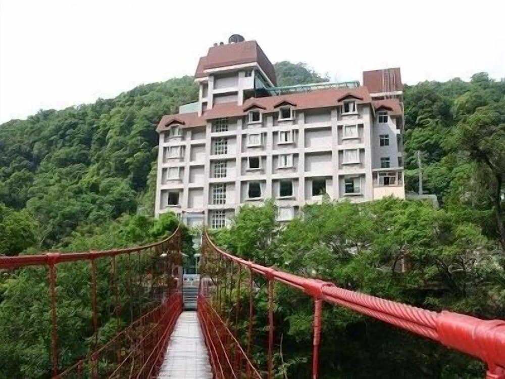 Chief Spa Hotel