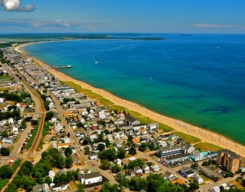 Sea Cliff House Motel in Old Orchard Beach, Maine