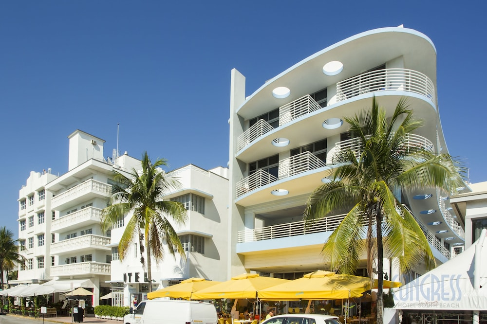 Congress Suites At The Strand Miami