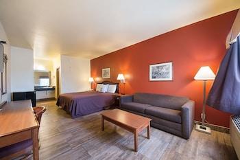 Lone Star Inn & Suites in Victoria, Texas