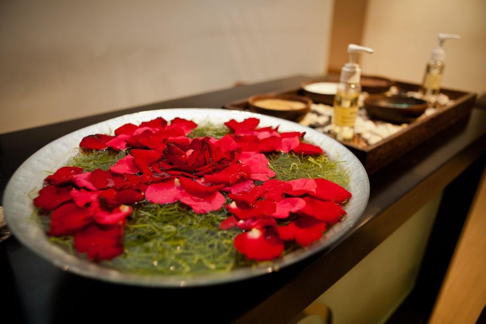 White Rose Kuta Resort Villas Spa Bali Hotel Price Address Reviews