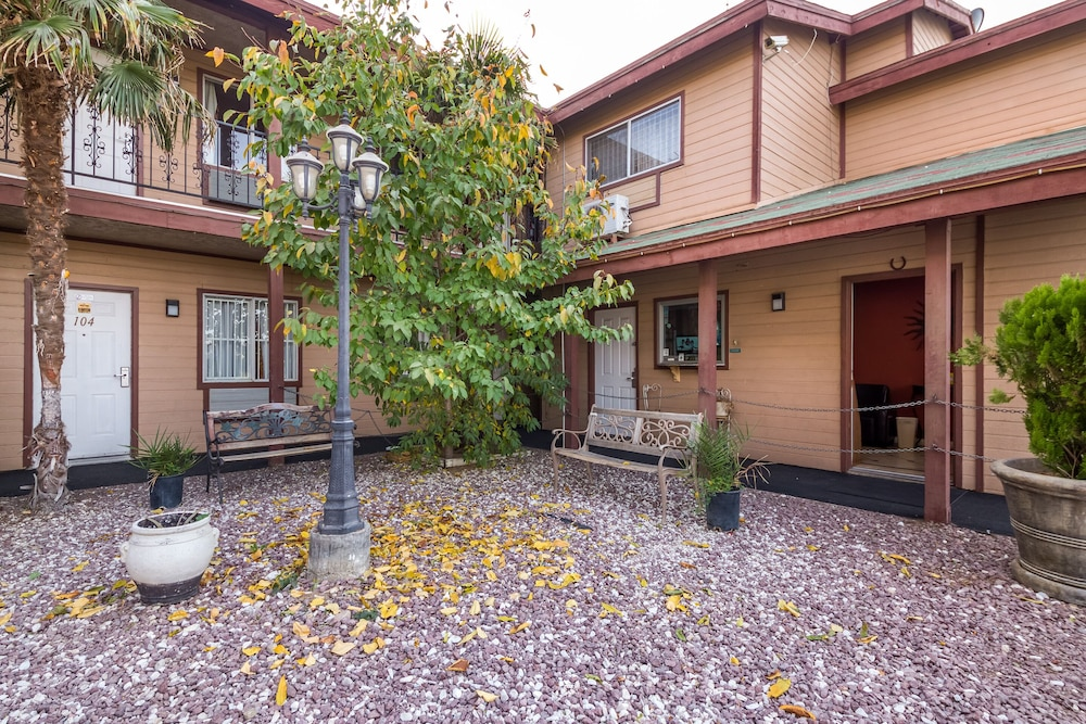 Hotel Victorville Mojave Dr
