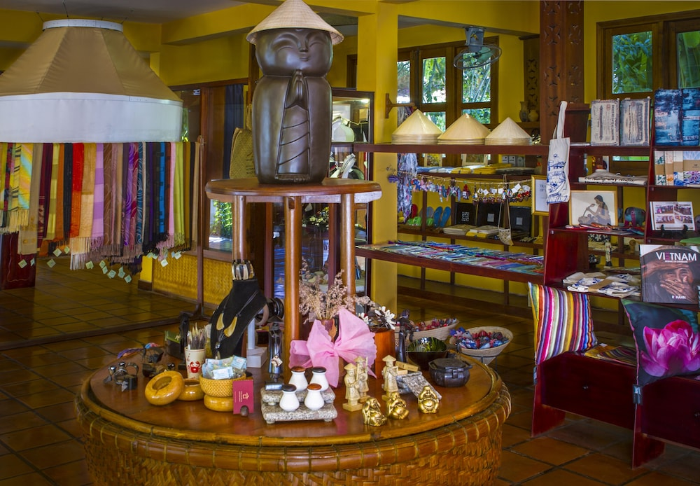 Gift Shop 85 of 159