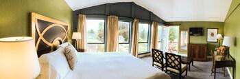 Bodega Bay Inn in Bodega Bay, California