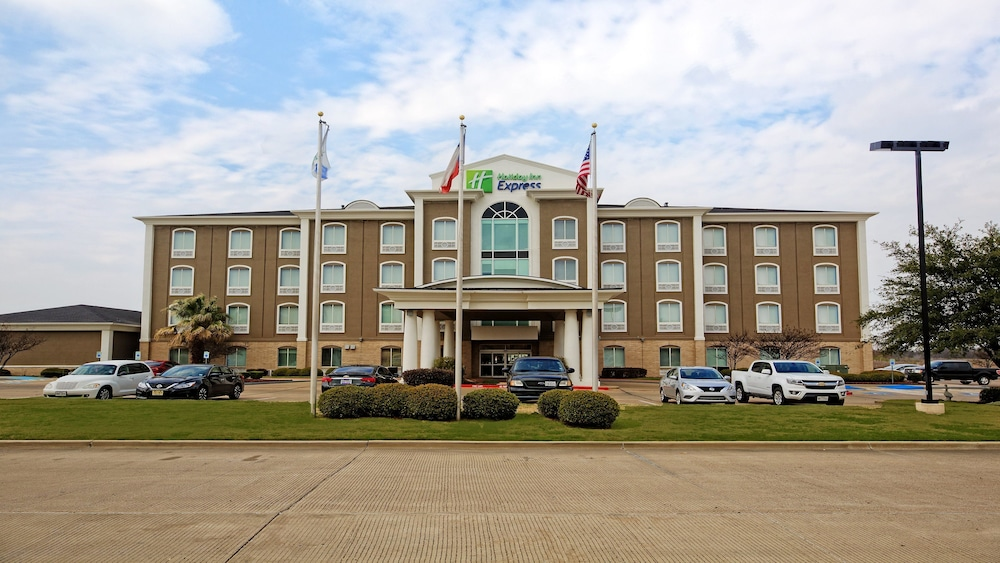 Holiday Inn Express Hotel & Suites Corsicana