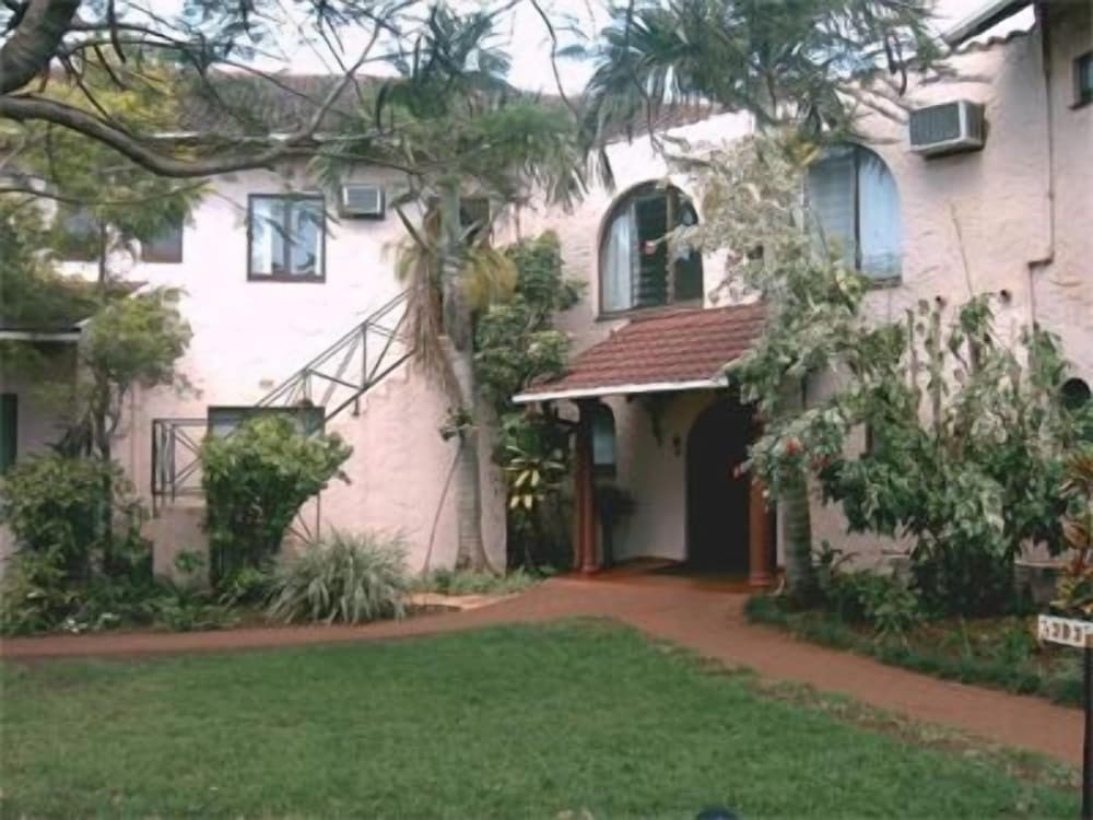 Canefields Country House