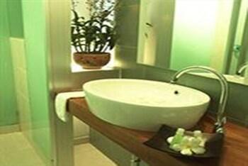 Swana Bangkok Hotel - Bathroom  - #0