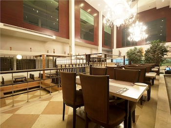 Ginger Hotel, Gurugram - Breakfast Area  - #0