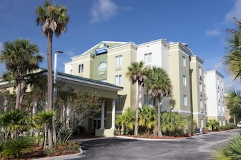 Days Inn & Suites by Wyndham Fort Pierce I-95 in Fort Pierce, Florida