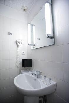 Hotel de Noailles - Bathroom  - #0
