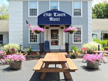 Olde Tavern Motel And Inn