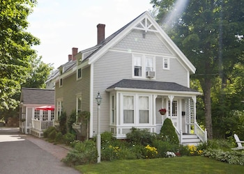 The James Place Inn Bed and Breakfast in Freeport, Maine